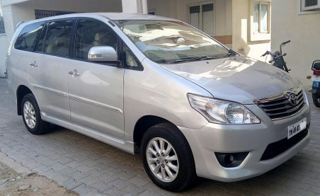 2013 Innova V model Single owner 159000km run