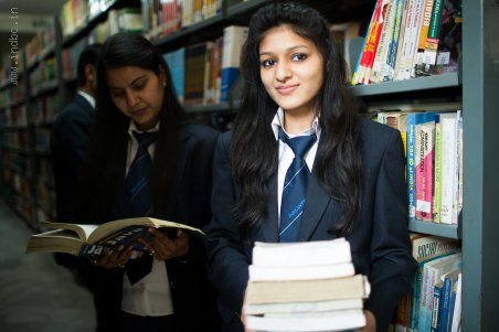 Top Business Schools India- Equipping Qualitative with Quantitative knowledge in students