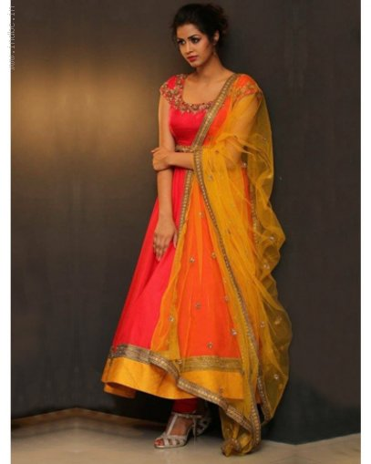 Look Adorable in Anarkali Suit